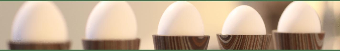 EGG CUP | Egg holder wood in modern design | uccellino